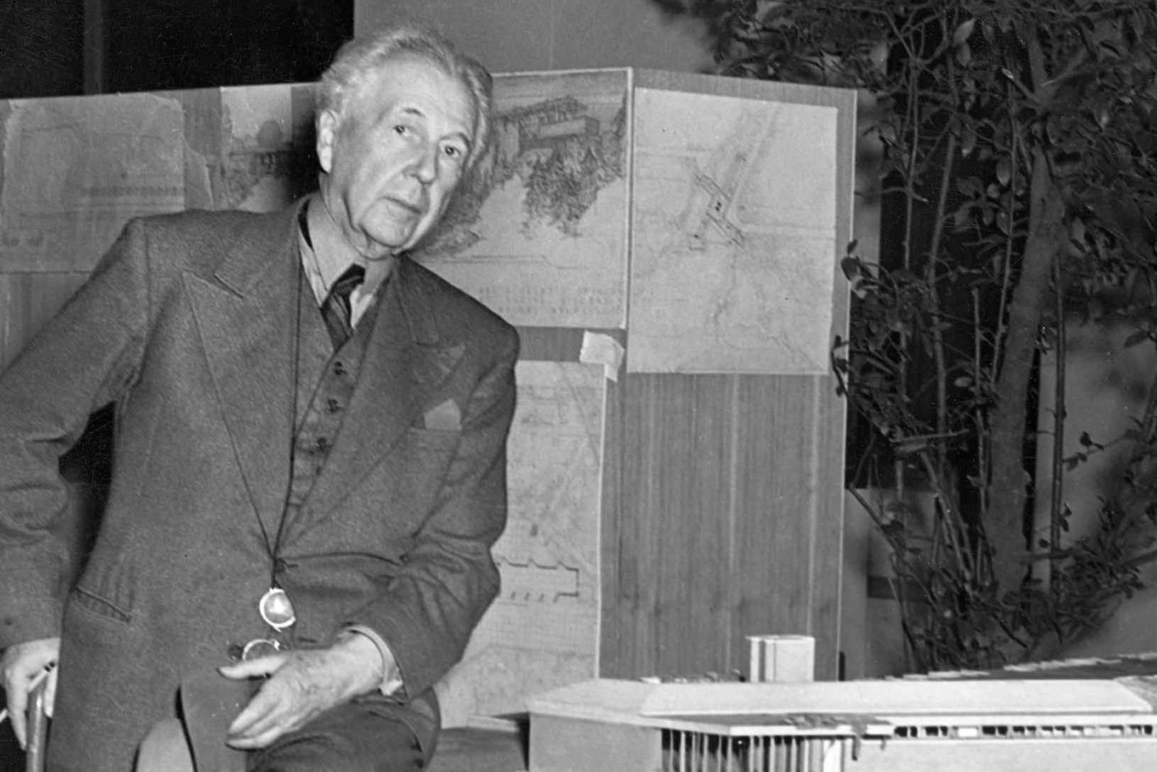 the life and career of architect frank lloyd wright Considered the first comprehensive study of the architects work  title: frank  lloyd wright: life and work, architecture in focus (soft cover) (published by.