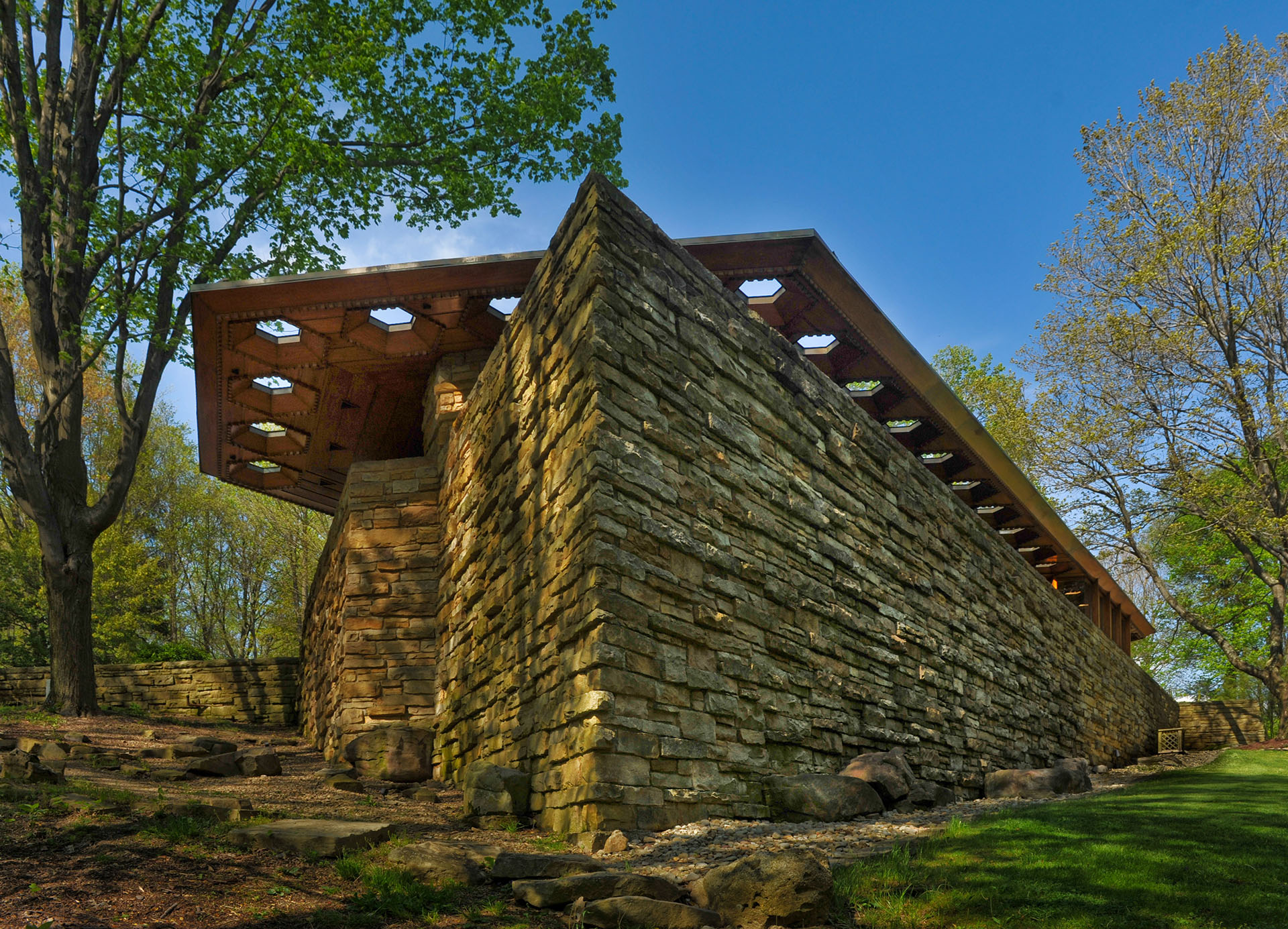 Frank Lloyd Wright was born in Richland Center, Wis., on June 8, , the son of William Carey Wright, a preacher and a musician, and Anna Lloyd Jones, a teacher whose large Welsh family had settled the valley area near Spring Green, Wisconsin.